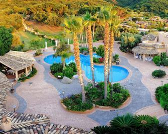Hotel Porto Pirgos - Parghelia - Pool
