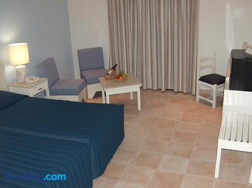 Dionysos Central - Paphos - Bedroom