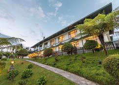 The Elgin Mount Pandim - A Heritage Resort & Spa - Pelling - Building