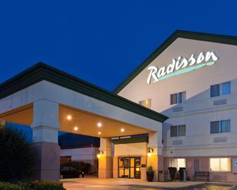 Radisson Hotel & Conference Center Rockford, IL - Rockford - Edificio