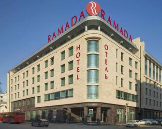 Ramada by Wyndham Kazan City Center - Kazaň - Building