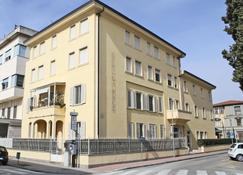 Hotel La Pace - Pontedera - Edificio
