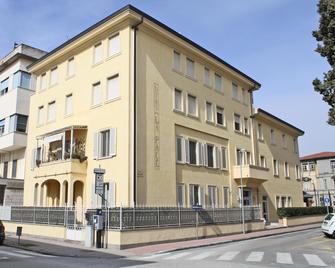 Hotel La Pace - Pontedera - Gebouw