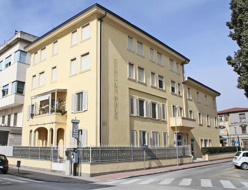 Hotel La Pace - Pontedera - Building