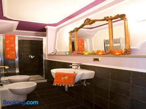 Mr. My Resort - Florence - Bathroom