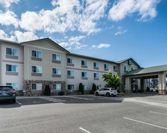 Quality Inn & Suites at Olympic National Park - Секуим - Здание