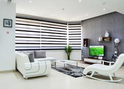 President Heights - Manama - Living room