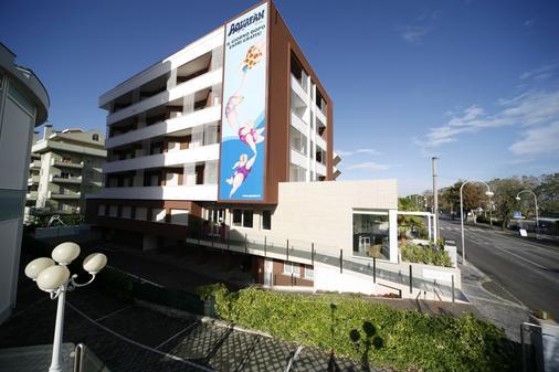 Noha Suite Hotel - Riccione - Κτίριο