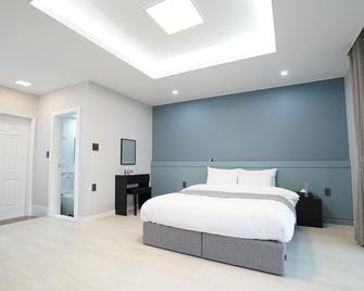 Ocean House - Andeok-myeon - Bedroom