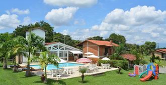 Hotel Quinta Da Mantiqueira - Penedo - Pool