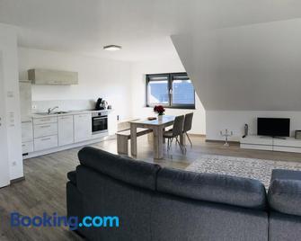Lux Ferienwohnungen - Markdorf - Living room