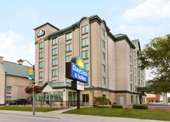 Days Inn by Wyndham Niagara Falls Centre St. By the Falls - Niagara Falls - Building