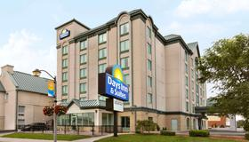 Days Inn & Suites By Wyndham Niagara Falls Centre St. By The Falls - Niagara Falls - Building