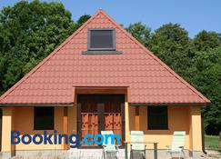 Fox House - Kuldīga - Bygning