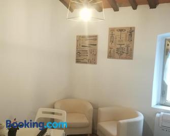 Vicolo del Poggetto - Rosignano Marittimo - Living room