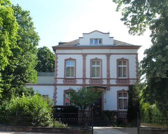 Villa zur Erholung Bed & Breakfast - Bad Breisig - Building