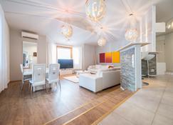 Levi White House - Sirkka - Salon