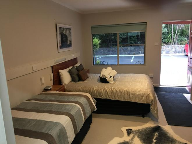 Black Forest Motel - Mount Macedon - Bedroom