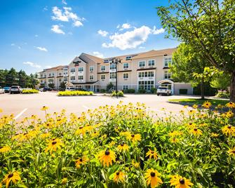 Towneplace Suites By Marriott Gilford - Gilford - Building