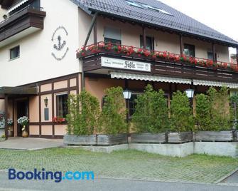 Gästehaus/Pension Fässle - Weinstadt - Building