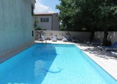 Motel Capsol - Mandelieu-la-Napoule - Pool