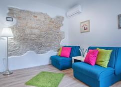 Top Center Rooms & Studio - Pula - Living room