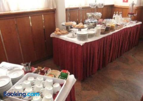 薇拉酒店 - 特倫托 - 自助餐
