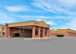 Rodeway Inn - Alamosa - Building