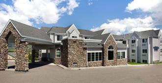 Microtel Inn & Suites by Wyndham Bozeman - Bozeman - Building