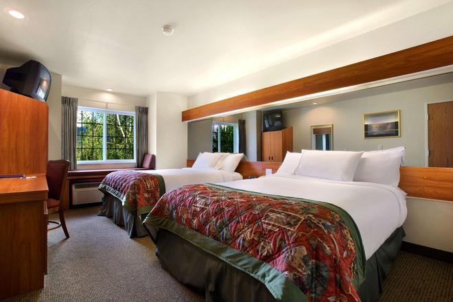 Microtel Inn & Suites by Wyndham Bozeman - Bozeman - Bedroom