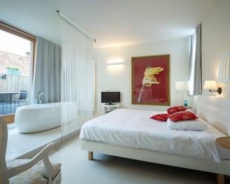 Hotel Restaurant Vous Lé Vous - Hasselt - Bedroom