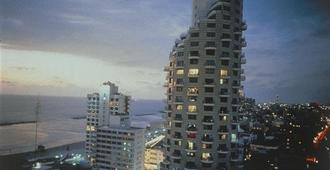 Isrotel Tower Hotel - Tel Aviv - Building