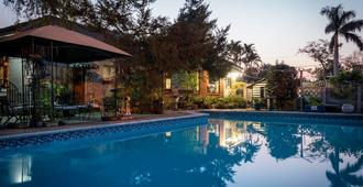 Jean-Lee Bed and Breakfast - Pietermaritzburg - Πισίνα