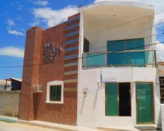 Hotel Posada Mercy - Río Lagartos - Building
