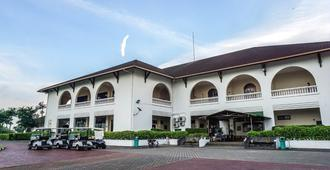 Ponderosa Golf & Country Resort - Johor Bahru - Edificio