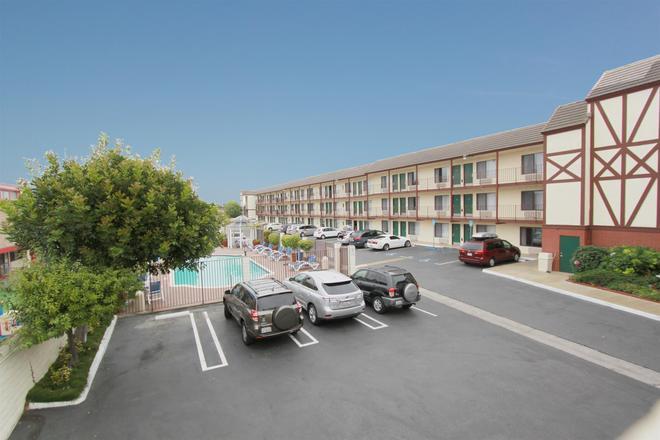 Best Western Surf City - Huntington Beach - Rakennus