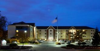Sonesta Simply Suites Cleveland North Olmsted - North Olmsted