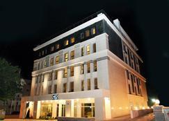 CK Farabi Hotel - Angora - Edificio
