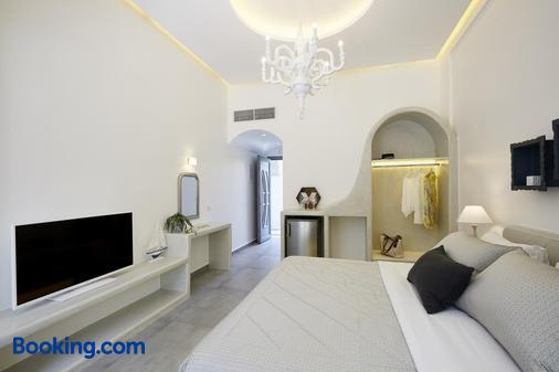 Amara Suites Santorini - Kamari - Bedroom