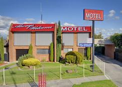 Always Welcome Motel - Morwell - Building