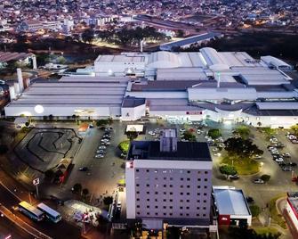 ibis Montes Claros Shopping - Montes Claros - Gebäude