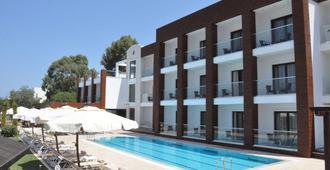 Veltur Turiya 酒店 - 波德倫 - 博德魯姆 - 游泳池