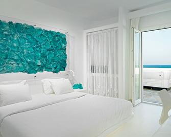 Mykonos Bay Resort & Villas - Міконос - Bedroom