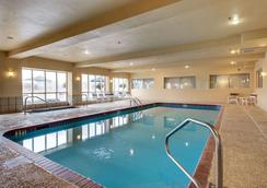 Comfort Suites - Vidalia - Pool