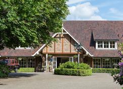 Landhuishotel De Bloemenbeek - De Lutte - Building