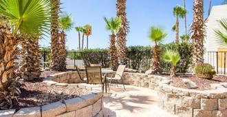 Quality Inn - Tucson - Patio