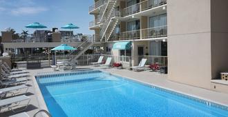 Aquarius Oceanfront Inn - Wildwood - Pool