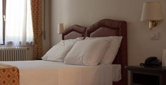 Hotel Valentini - Salsomaggiore Terme - Bedroom