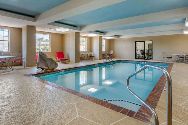 Comfort Inn and Suites North Little Rock - North Little Rock - Pool