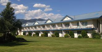 Monashee Motel - Sicamous - Edificio